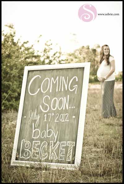 Creative Maternity Portrait Photographer