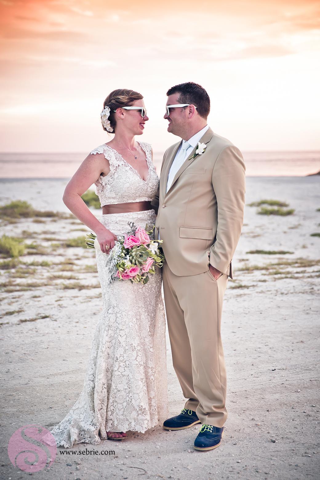 couple-sunglasses