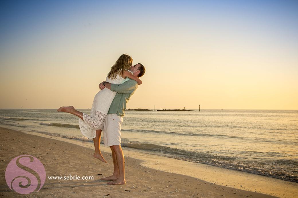 engagement-announcement-beach