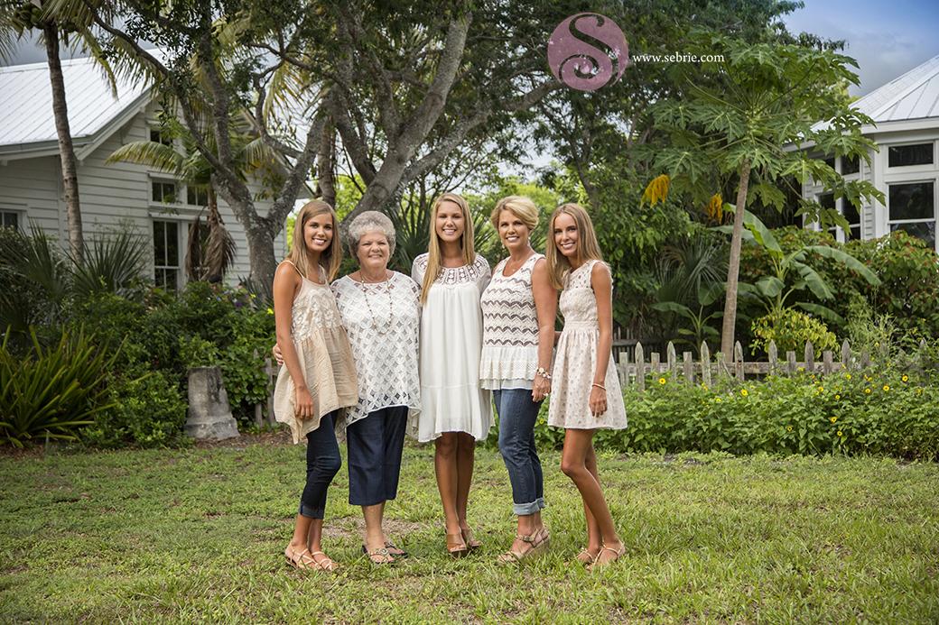 generation-family-photo-clothing
