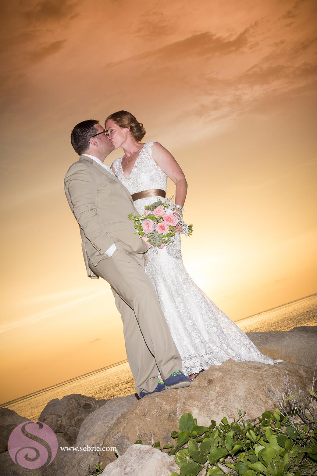 kiss-sunset-beach