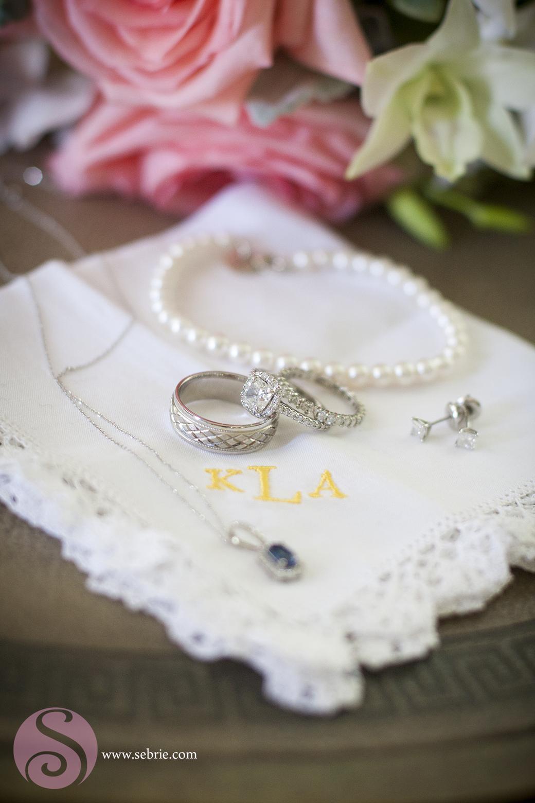 rings-detail-pearls
