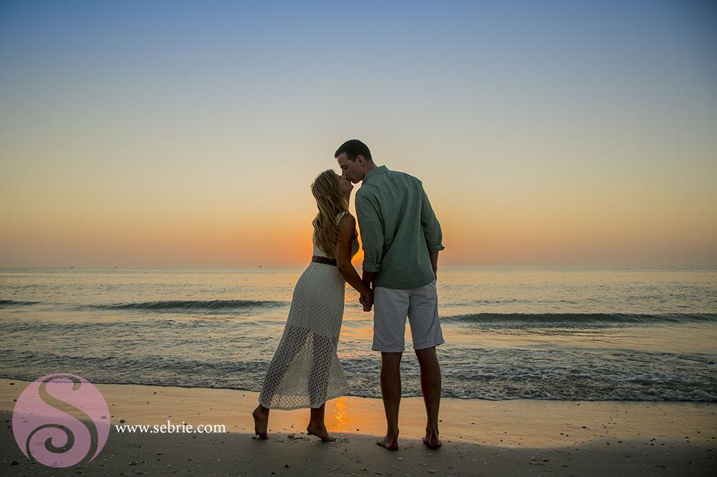 sunset-reflection-kiss